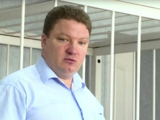В Воронежской области начали судить обвиненного во взятке врача