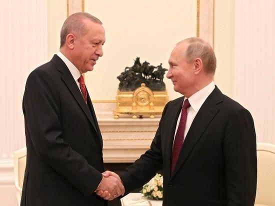 Эрдоган позвонил Путину после атаки ВВС Сирии на турецкий конвой