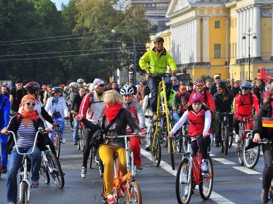 В выходные в Петербурге ограничат движение машин
