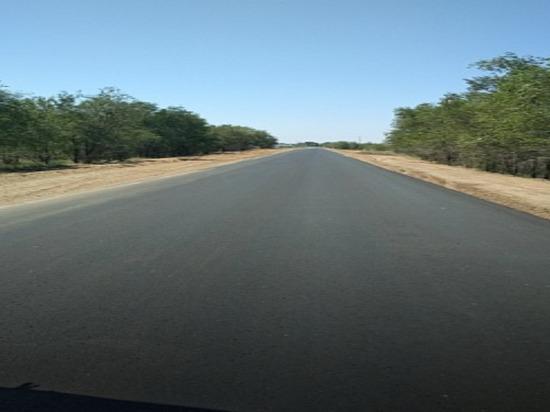 На калмыцких дорогах продолжается ремонт