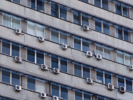 Собственников исторических зданий могут заставить снять кондиционеры
