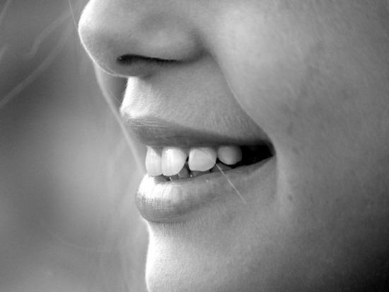 Врачи раскрыли способ, как определить состояние здоровья по слюне