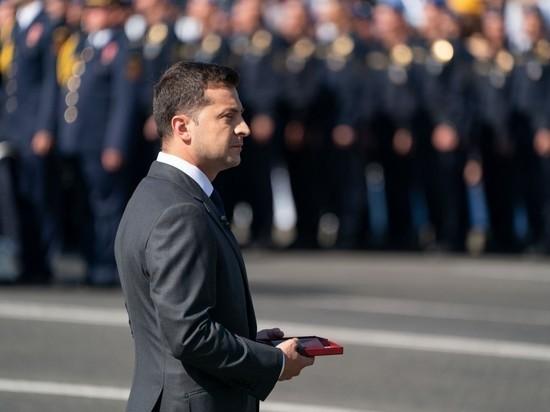Зеленский рассказал о приходящих ему СМС о потерях на Донбассе