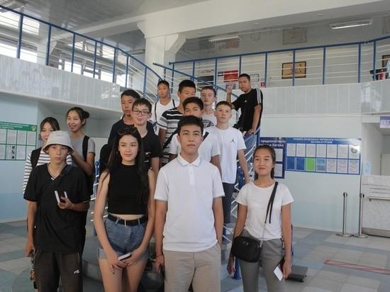 Калмыцкие дети отправились в Сочи