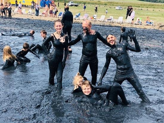 В Железноводске начался единственный в мире «грязный» фестиваль
