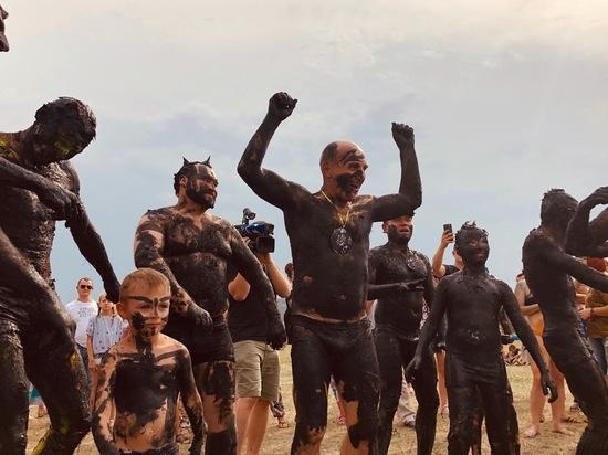 Туристы с Камчатки и Крайнего Севера окунулись в «Железную грязь»