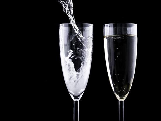 В Кольчугино проведён рейд в ходе которого был обнаружен магазин «Якорь» и 1200 бутылок нелегально произведённого и поддельного алкоголя