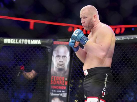 Российский боец Харитонов одержал победу нокаутом над американцем Митрионом