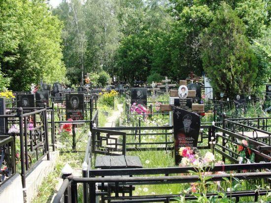 В Башкирии ищут вандалов, раскопавших могилу погибшей девушки