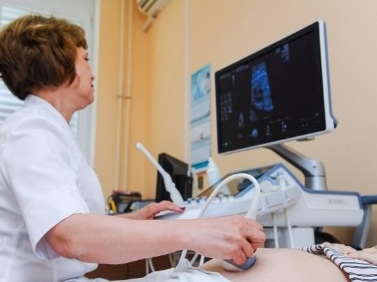 Почти 5 тысяч волгоградцев записались в июле на прием к врачу через инфоклинику