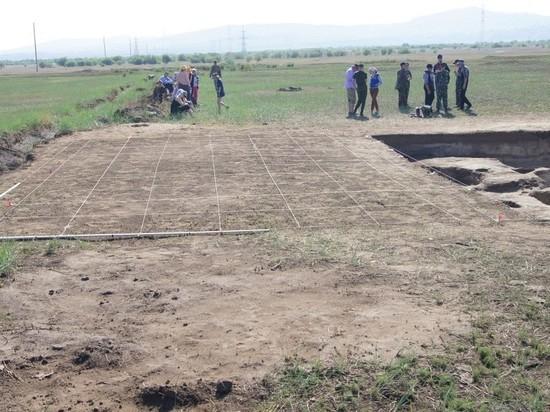 На Иволгинском городище в Улан-Удэ нашли мусорные ямы хуннских времен