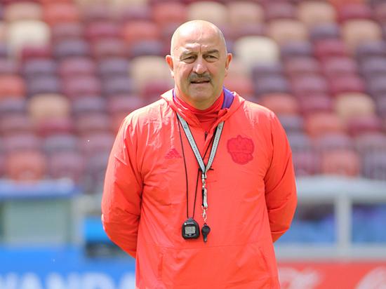 Черчесов объявил состав сборной к матчам с Шотландией и Казахстаном