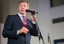 Пушков напомнил Рону Джонсону о санкциях против российских законодателей