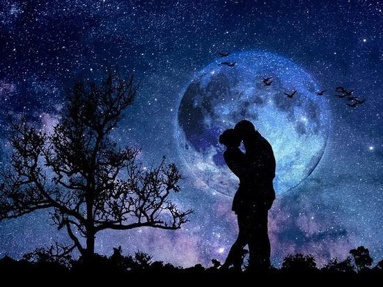Астрологи: Луна влияет на отношение матери к ребёнку и гармонию брака