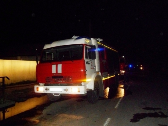 В Улан-Удэ ночью горел жилой дом, есть пострадавшая
