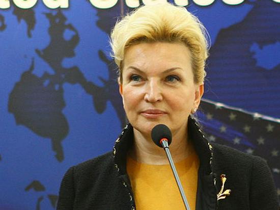 Раиса Богатырева не смогла выйти из здания аэропорта
