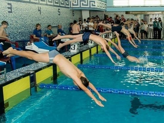В Пскове проходят региональные соревнования по плаванию