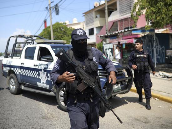 Кровавый стриптиз: в мексиканском клубе убиты 28 человек