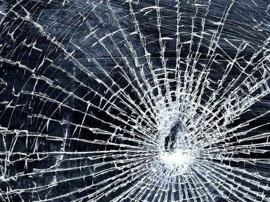 В Воронеже хулиганы обстреляли машину с ребенком из пневматики