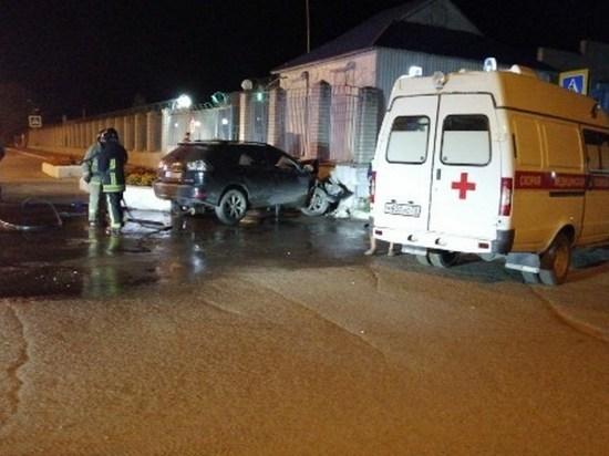Пьяный читинец на Lexus протаранил забор Суворовского училища
