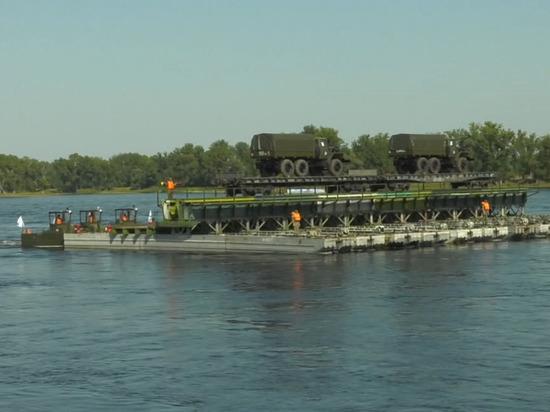 Масштабные учения на реке Енисей собрали более тысячи военнослужащих и 200 единиц военной техники