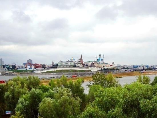 Президент Татарстана поздравил земляков с Днем республики