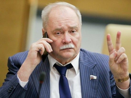 Владимир Бортко снялся с выборов губернатора Петербурга