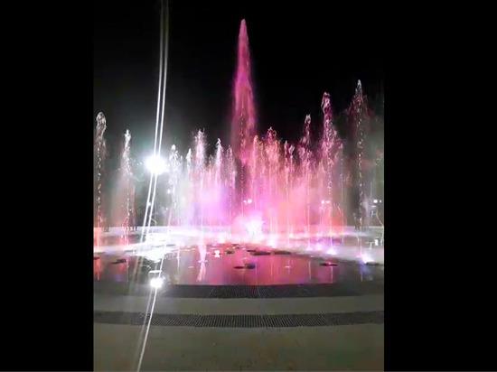В Новосибирске прошел пробный запуск первого за Уралом сухого фонтана