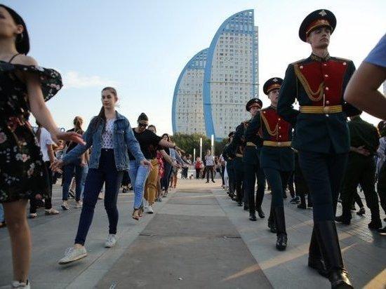Мастер-класс русского танца прошел на репетиции «Русского бала»