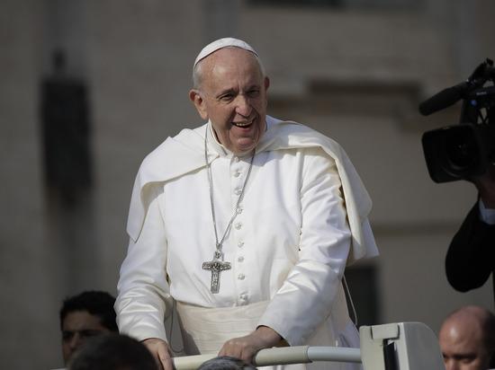 Папа Римский надолго застрял влифте— Спасли пожарные