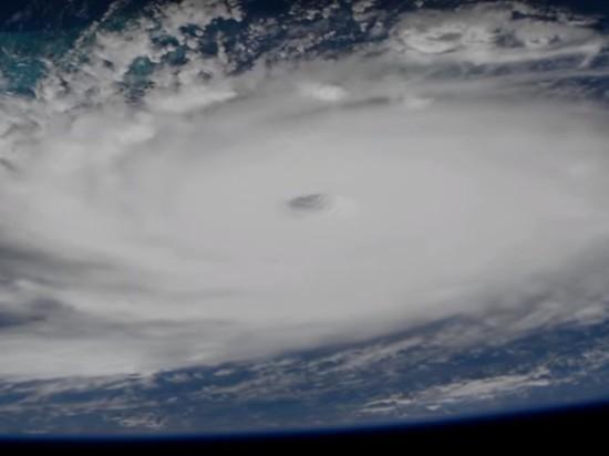 """Ураган """"Дориан"""": Тпамп призвал молиться за жителей Багамских островов"""