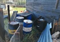 В Бурятии пожарным пришлось выносить из огня 8 бочек с бензином