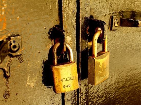 В Лабытнанги защищающую от воров железную дверь украли