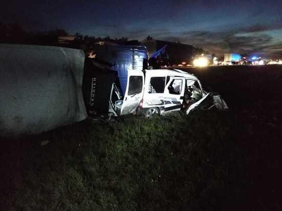 Четыре человека погибли в массовом ДТП на трассе М-4 под Воронежем