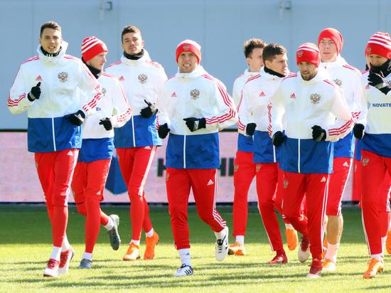 Защитник сборной России Караваев перейдет в