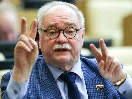 Избирком Петербурга аннулировал регистрацию Владимира Бортко
