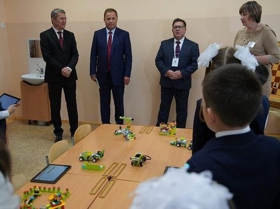 Учеников уфимской гимназии с Днем знаний поздравили Игорь Комаров и Радий Хабиров