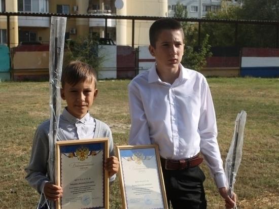 Волгоградские школьники помогли задержать мошенника