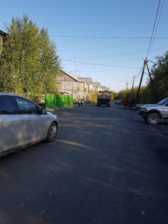 Жительница Лабытнанги жалуется на «опасные гонки» по двору ее дома