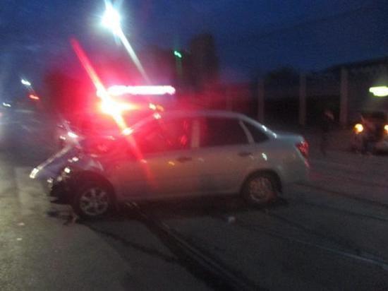 В аварии на трамвайных путях в Туле есть пострадавший