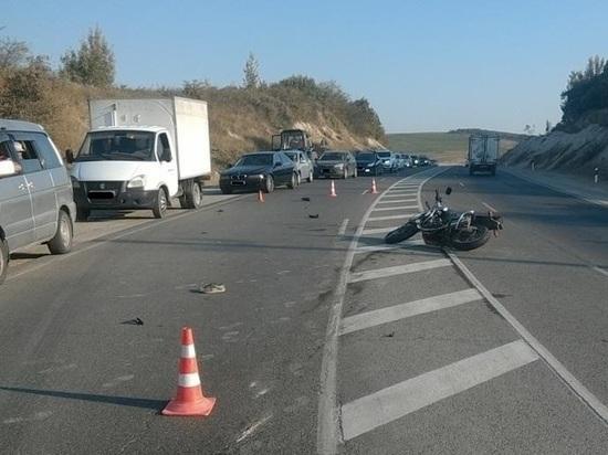 Лишённый прав мотоциклист пострадал в ДТП под Анапой