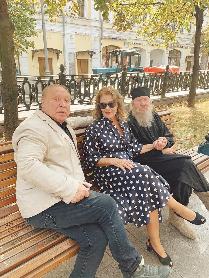 Три московских театра открыли сезон в полдень