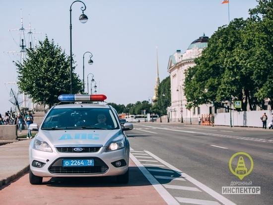 Петербургская банщица покусала сотрудника ГИБДД под Гатчиной