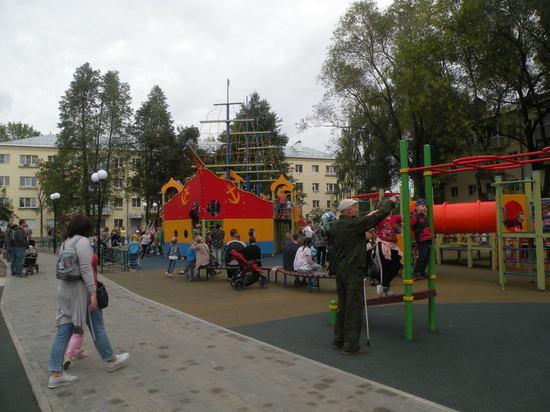 Во Владимире обновили сквер на улице Чайковского