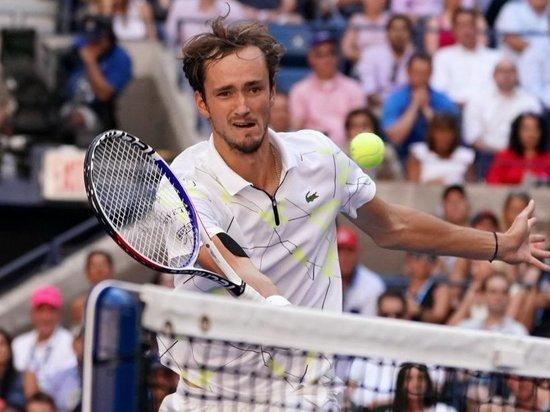 Даниил Медведев обыграл Стена Вавринку и вышел в полуфинал US Open
