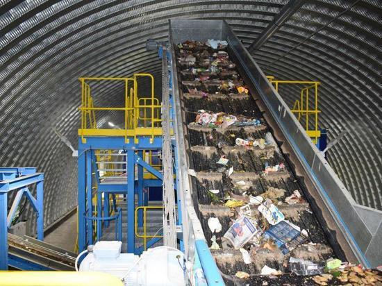 Омский региональный оператор открыл первый мусоросортировочный завод
