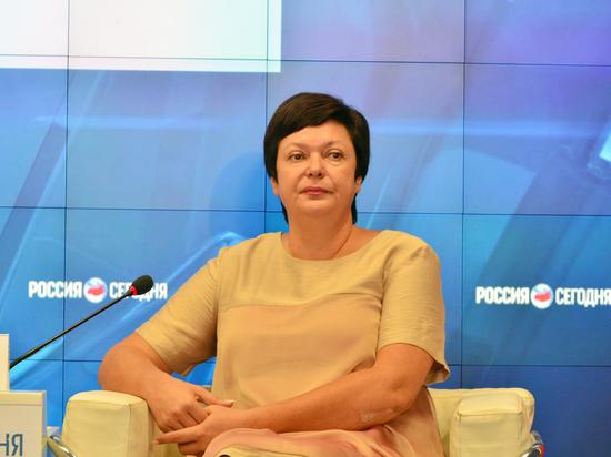 Молодым учителям в Крыму добавили к окладу по 5700 рублей