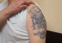 У вора, обокравшего Бондарчука и Миронова, нашли необычную криминальную татуировку