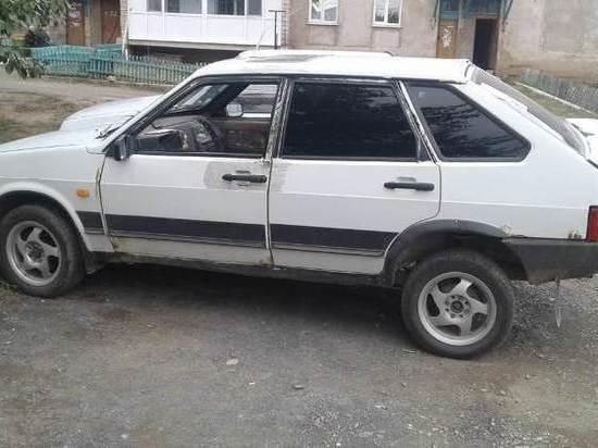 В Адамовском районе мужчина угнал машину, чтобы доехать до дома