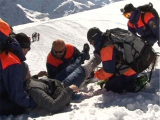 В Кабардино-Балкарии спасли московского альпиниста с травмой ноги